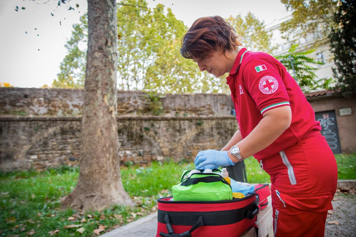 Progetto Take Care - Attività Unità di strada della Croce Rossa di Roma