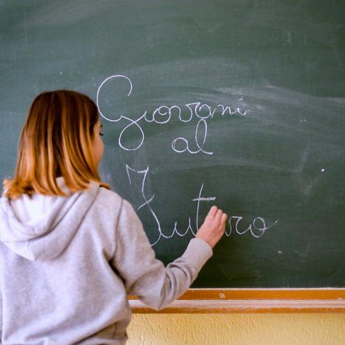 Giovani Al Futuro. Sociale E Giovani.Croce Rossa Italiana - Comitato Area Metropolitana Di Roma Capitale.